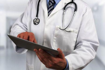 تحسين أجور الأطباء المغاربة مرتبط بالمفاوضات مع وزارة المالية