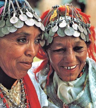 """جائزة """"التميز للمرأة المغربية"""" تتوجه لنساء العالم القروي"""
