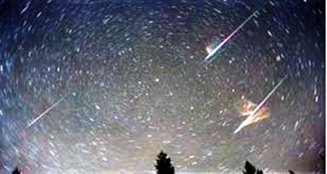 الليلة سماء قطر تشهد زخَّة شُهُبٍ فريدة من نوعها
