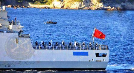 البحرية الملكية تنتشِلُ مهاجرين مغاربة من بين أنياب المحيط