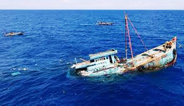 عبد المغيث يصطدم بشعاب بحرية على سواحل طرفاية