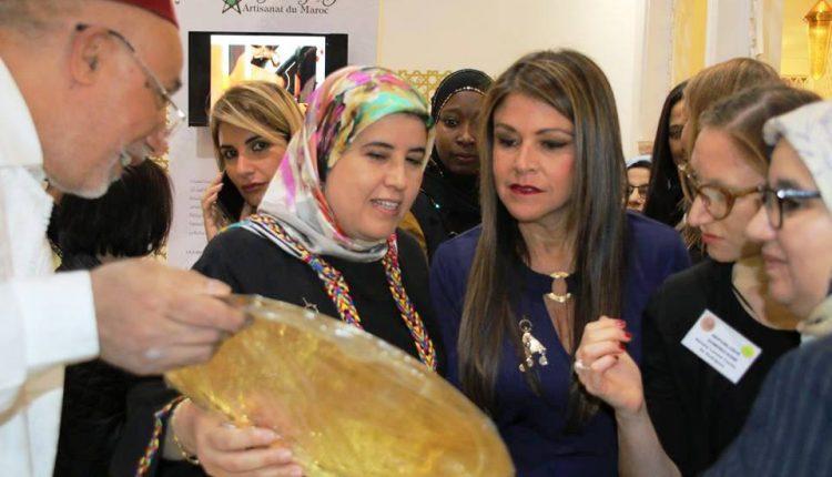 جميلة المصلي تتحول لنجمة المعرض الوطني للصناعة التقليدية بمراكش