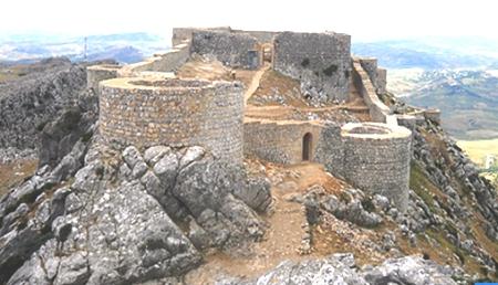 أبواب قلعة أمركو التاريخية تفتح أبوابها للزيارت و أمام كاميرات السينما
