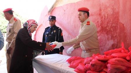 الحرس الملكي يوزع 350 وجبة إفطار يوميا على العائلات المعوزة