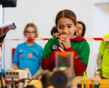 تلاميذ مغاربة يتأهلون للتنافس في أولمبياد الروبوت العالمي