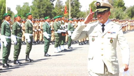 بن كرير تزدان بإحتفالات القوات المسلحة الملكية في ذكرى تأسيسها