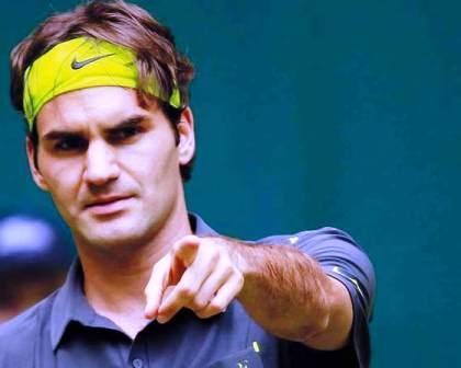 """""""فيدرر""""،أسطورة التنس السويسري يعود للملاعب الترابية"""