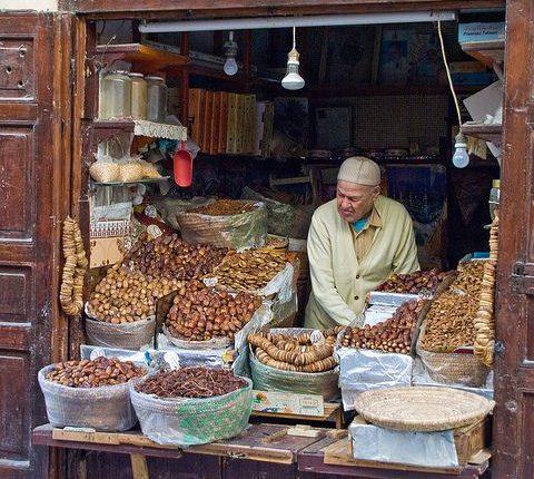 تدابير لمراقبة محلات بيع المأكولات والمنتجات الغذائية خلال رمضان