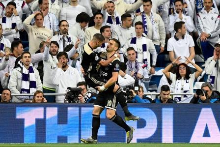 سواريز مستمر في الإحتفال بسقوط ريال مدريد