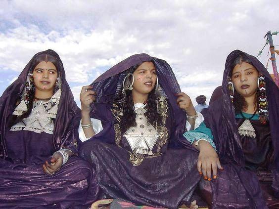 مهرجان كناوة بالصويرة يستضيف موسيقى الصحراء الكبرى