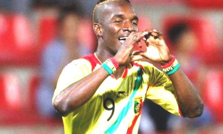 """صفعة على وجه زميله، تضع اللاعب """"آداما نياني""""خارج منتخب مالي"""