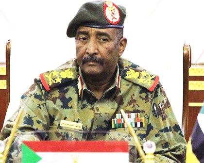 الاتحاد الإفريقي يعلق عضوية السودان، وعقوبات ضده تلوح في الأفق