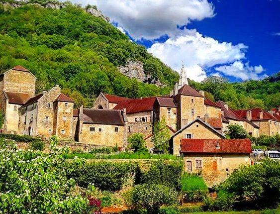 قرية فرنسية مخصصة لمرضى الزهايمر ستَفتتحُ أبوابها قريبا