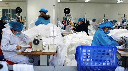 الصين تبيع أكثر من اربعة مليارات قناع ضد كورونا منذ بداية مارس الفارط