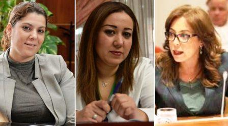 ثلاث نساء على كرسي العمودية في كل من مراكش والدار البيضاء والرباط